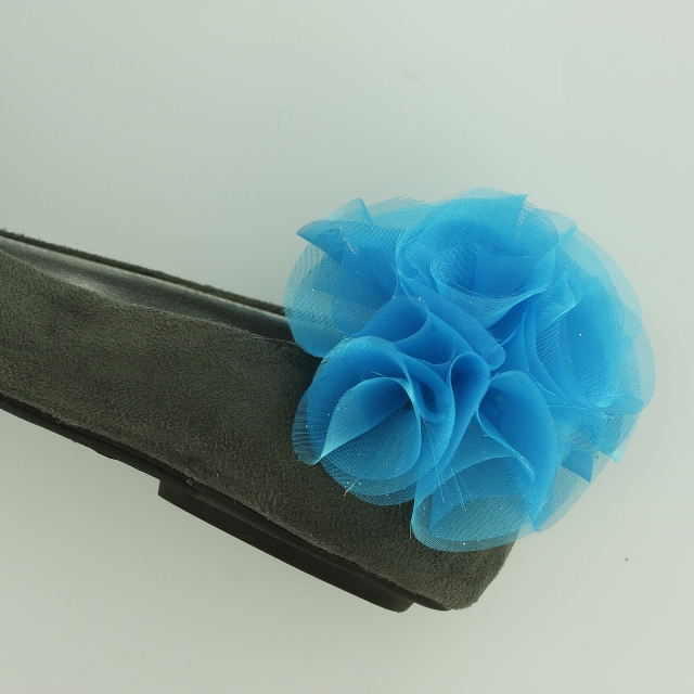 Pom Pom Organza Flower Shoe Clips Tutorial pic12