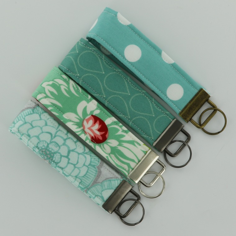 fabric-wristlet-tutorial-pic-14